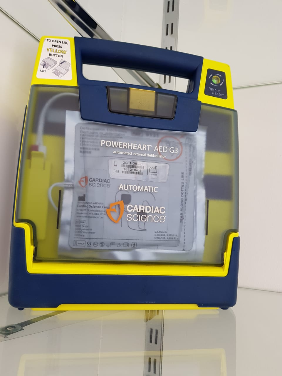 Cardiac Science Powerheart G3 AED w/ NEW Battery and NEW Adult Pad